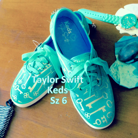 Keds/Taylor Swift Shoes - Taylor Swift by Keds Sz 6 NWT